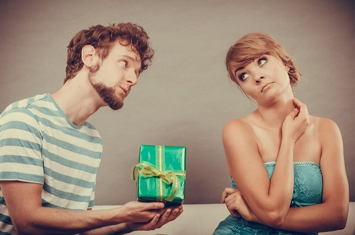 연애 중에도 외롭다면 혹시? 을의 연애 특징