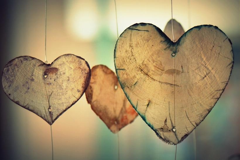 믿음과 사랑 사이