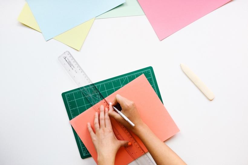 싱글족을 위한 아날로그 힐링 아이템- '컬러링 북', '나노블럭', '종이접기'